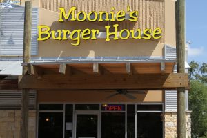 N Burnet Moonie's Burger House
