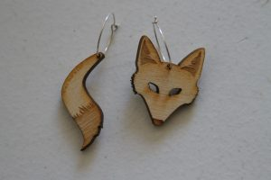 Vinca wooden fox earrings