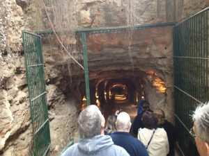 Inner Space Caverns entrance