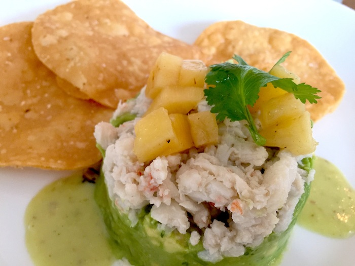 Guacamole with crab meat at Alcomar