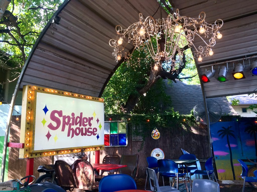 Spider house Outdoor Patio Stage