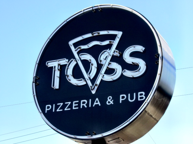 Toss Pizzeria and Pub South Austin