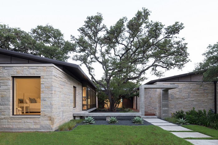 Home designed by McKinney York Architects in Highland Park West