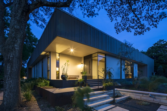 Tornbjerg Design House in Highland Park West