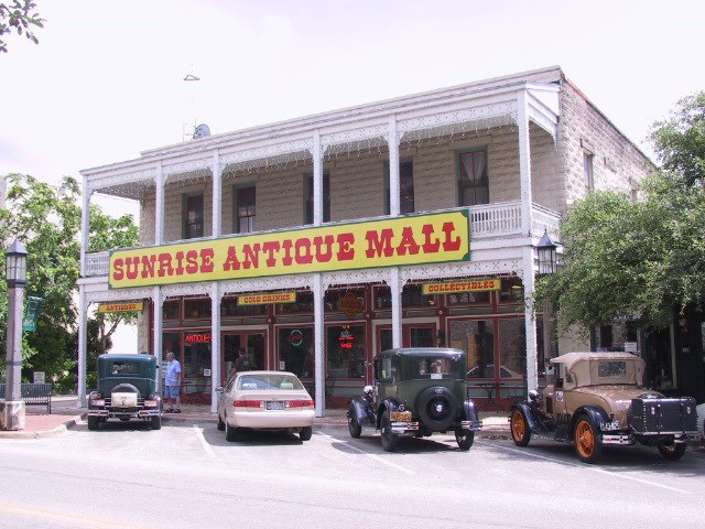 Sunrise Antique Mall in Kerrville, TX
