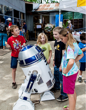 R2-D2 at Austin Mini Maker Faire