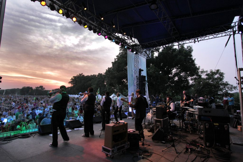 Nightowls Perform Blues on the Green