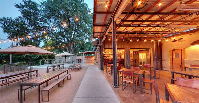 Contigo Outdoor Patio In Austin