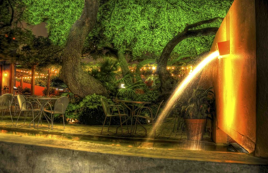 Manuel's North Austin Outdoor patio