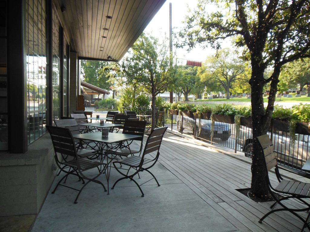 Side patio at laV Austin