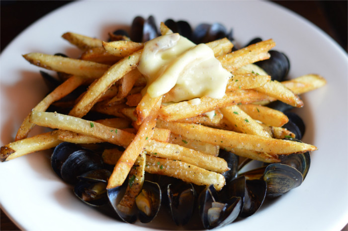 Mussels and Fries at Vino Vino