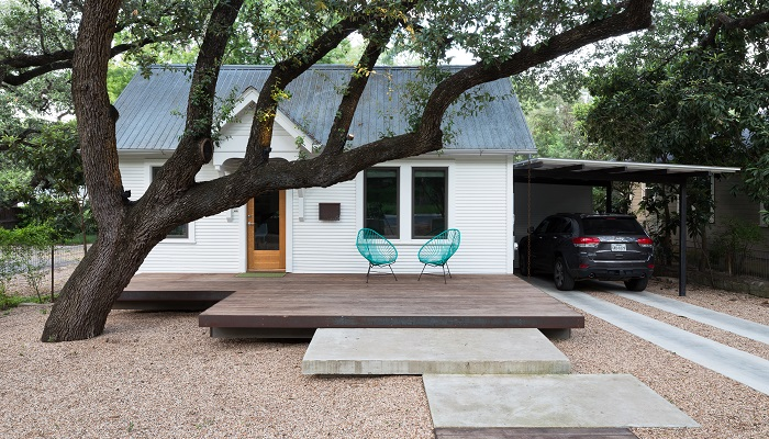Newning Lean-to home by Nick Deaver in Travis Heights