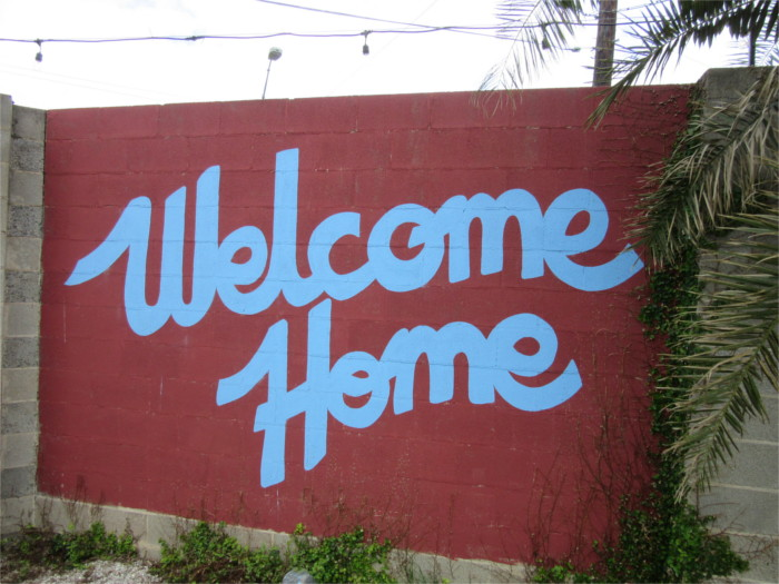 Welcome Home Mural Lustre Pearl