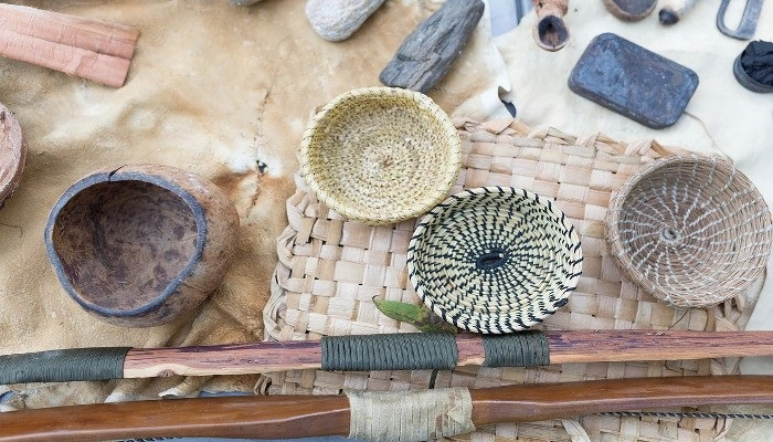 Basket weaving class at Earth Native Wilderness School