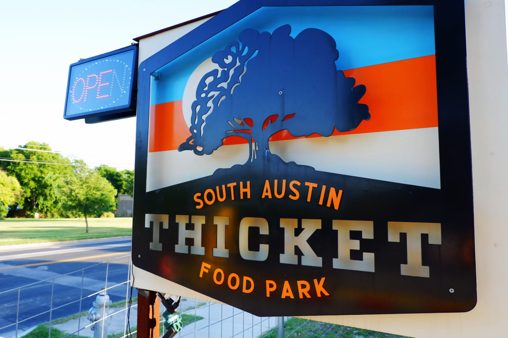 Welcome to the Thicket in south Austin (Credit: @dollarsaenz)