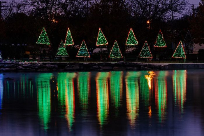 San Saba Texas Christmas Light Trail