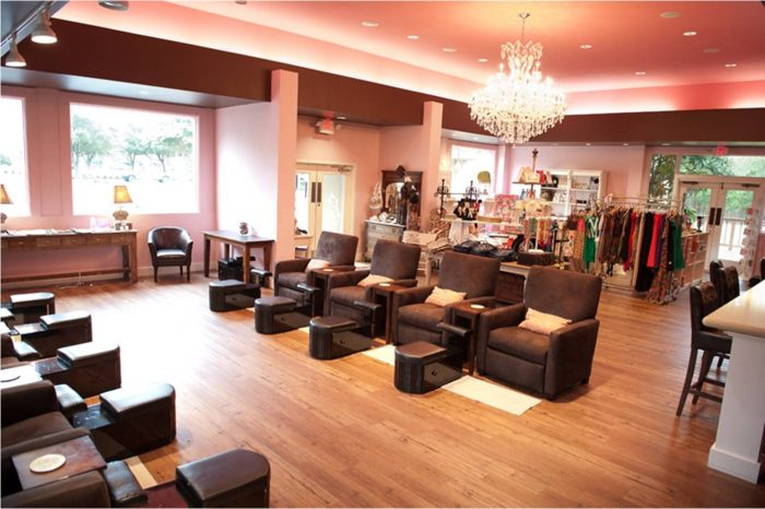 Embellish Nail Salon in Austin