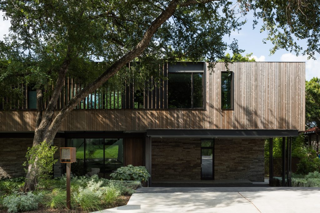 Greenbelt Overlook Residence by Baldridge Architects in Austin